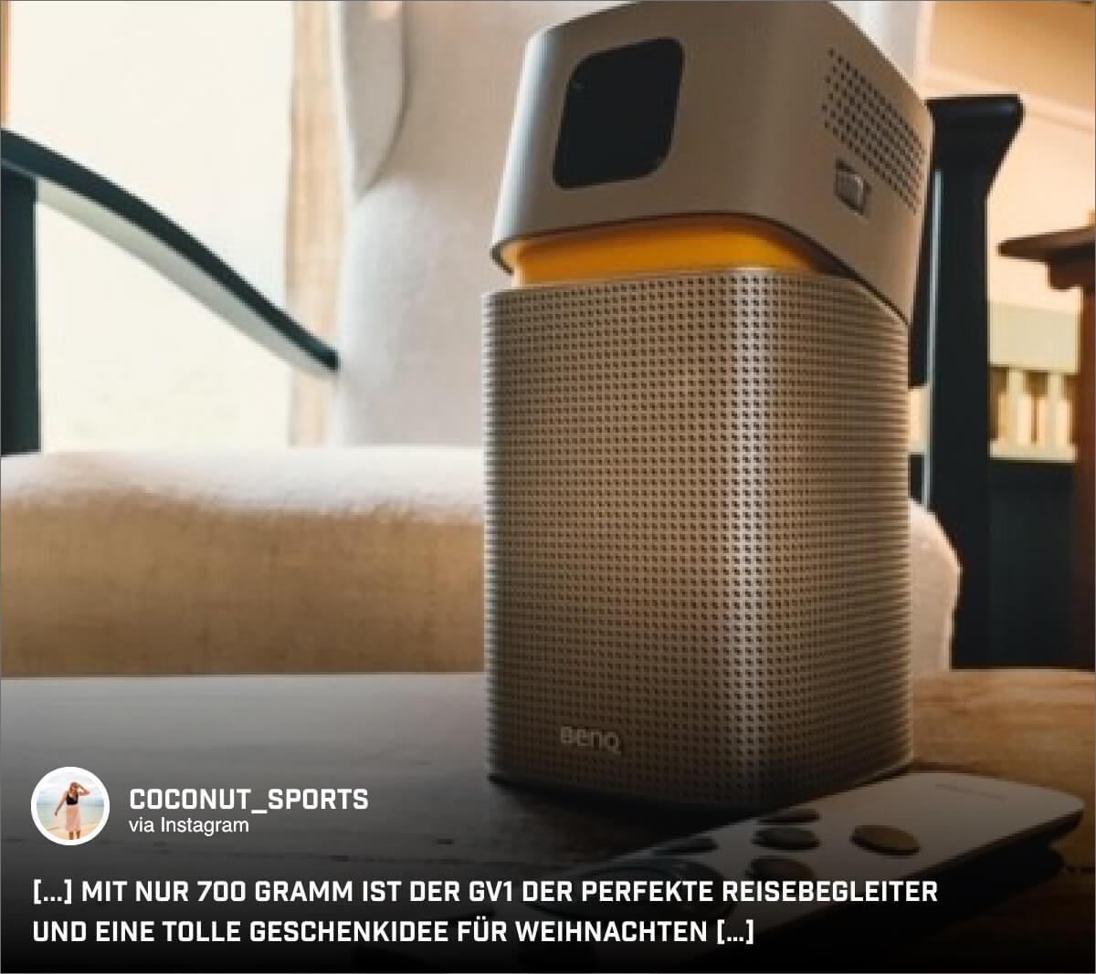 Mit dem portablen Mini-Projektor lässt sich auch @coconut_sports Zeit im Hotelzimmer besser genießen.