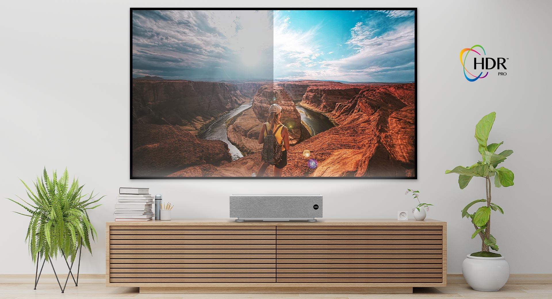 Videoproiettore laser TV 4K UHD UST bianco di BenQ | BenQ Italia